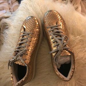 828d338ef35 Steve Madden Shoes - Steve Madden Peyton Sneaker Rose Gold